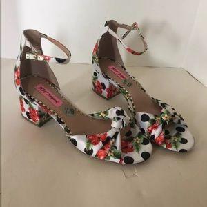 NWOB Betsey Johnson Ivee Size 6.5 Polka Dot Heels